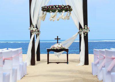 discover-punta-cana-beach-estate-couple-beach-wedding-2